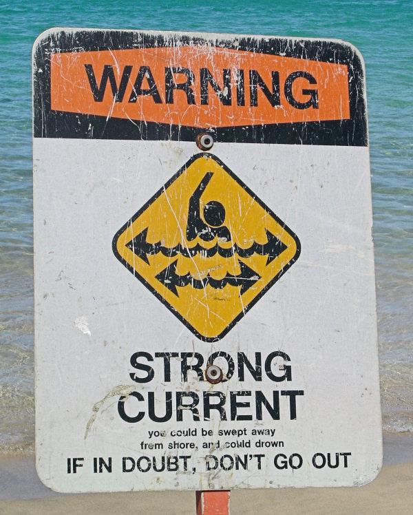 It\'s Dangerous to Swim at Kauai
